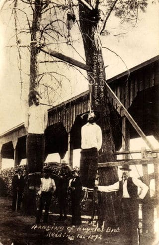 Photo of the Ruggles brothers lynching in Redding, Californai