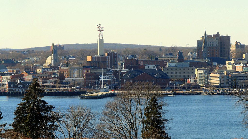 New London Connecticut skyline